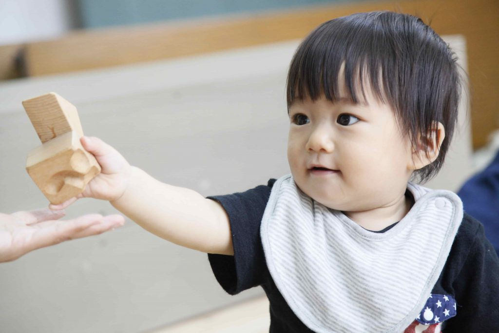 arumitoy 木のおもちゃ 赤ちゃん モデル